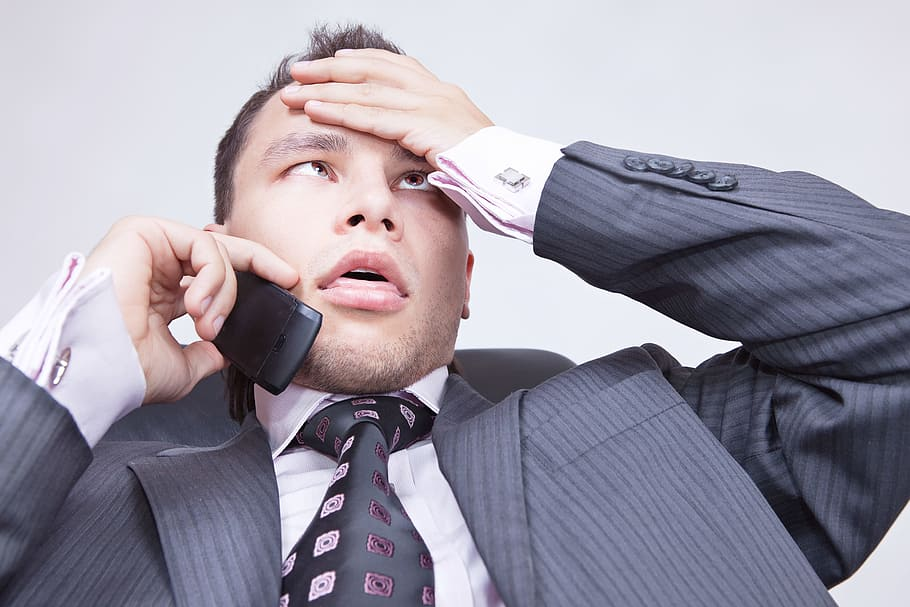 Přijde den, kdy bude nutné název firmy třeba i nadiktovat do telefonu. Jednoduchost, zapamatovatelnost a snadná vyslovitelnost ušetří spoustu problémů.