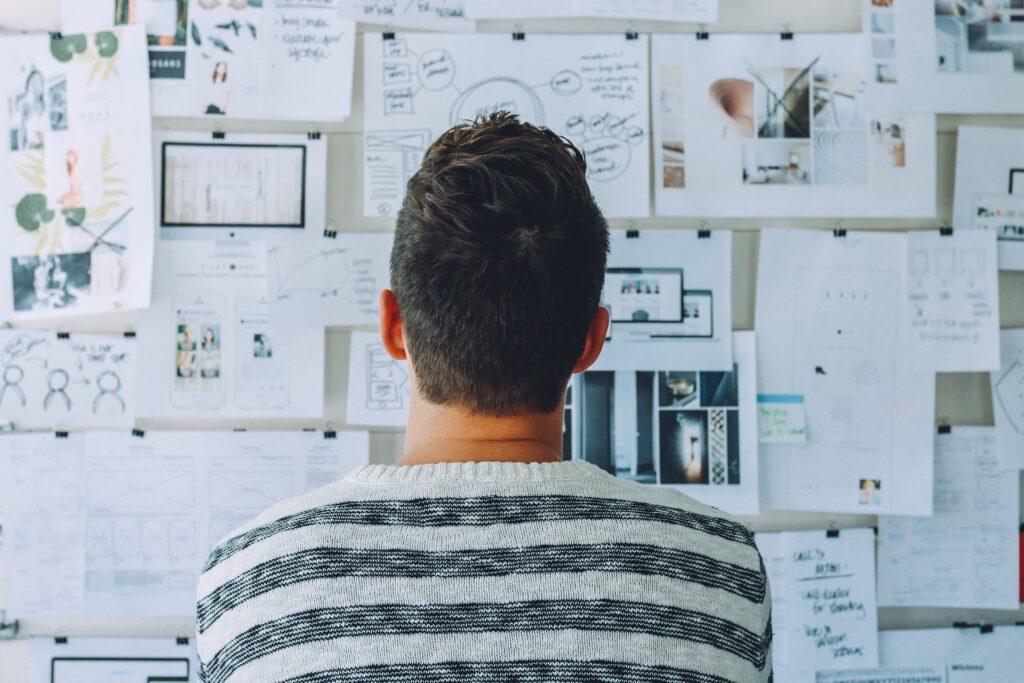 Podnikat jako fyzická či právnická osoba? Dilema, které řeší mnoho začínajících podnikatelů.