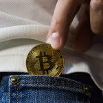 Bitcoin karty – Jak platit kryptem v každém obchodě?